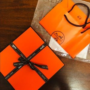Orange belt with gift box